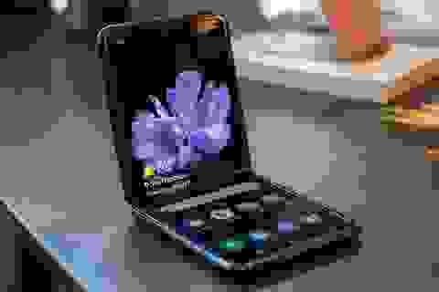 Smartphone màn hình gập Galaxy Z Flip giảm hơn 10 triệu đồng tại Việt Nam