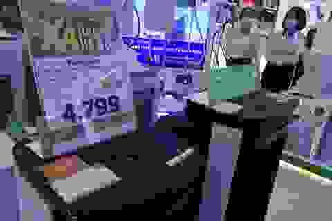 Chú ý khi mua hàng điện tử trưng bày giảm tới 70% so với giá bán mới