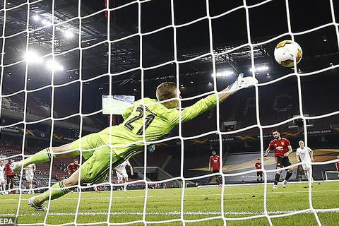 13 pha cứu thua xuất thần của thủ thành Copenhagen trước Man Utd