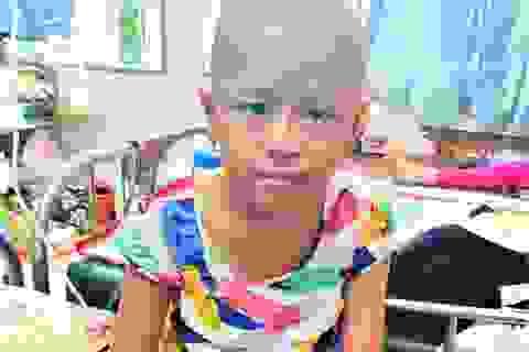 Xót thương bé gái xinh xắn 6 năm trời lấy viện làm nhà vì bệnh hiểm nghèo