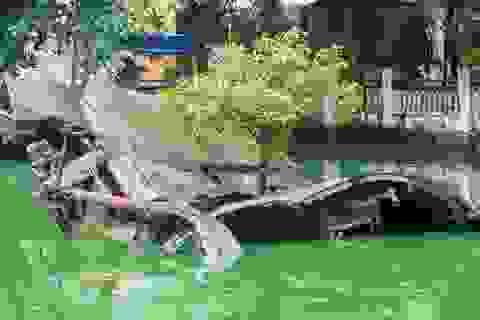 Nơi lưu giữ mảnh xác B52 xuống cấp trầm trọng, tường rào vỡ vụn