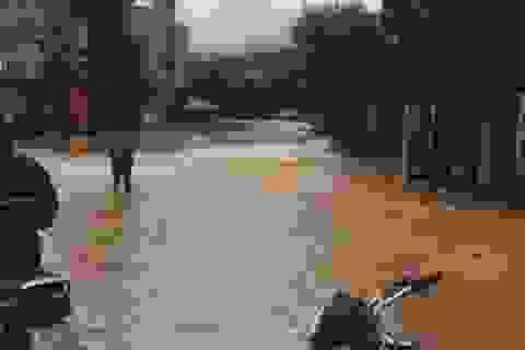 Yên Bái: Mưa lớn gây ngập nhiều nơi, nước cuồn cuộn chảy trên đường
