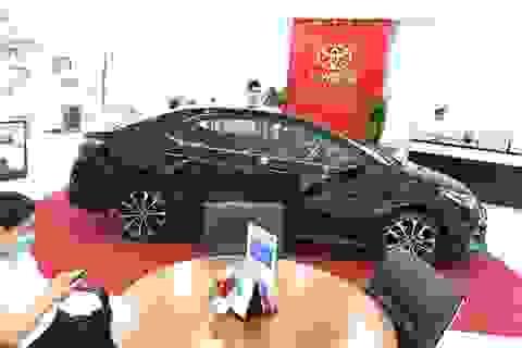 """Covid-19 khiến thị trường ô tô """"lao dốc không phanh"""""""