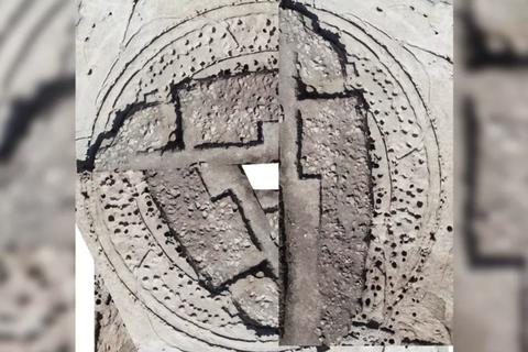 """""""Stonehenge bằng gỗ"""" bí ẩn ở Bồ Đào Nha"""