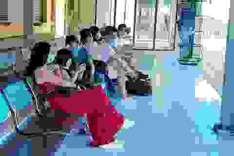 Nha Trang: Tàu du lịch nằm bờ, di tích Chăm vắng vẻ do dịch Covid-19