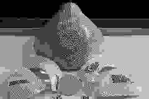 Chiếc khẩu trang đính kim cương có giá... 35 tỷ đồng