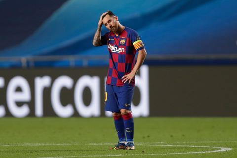 """Messi chết lặng trong ngày Bayern Munich """"hủy diệt"""" Barcelona"""
