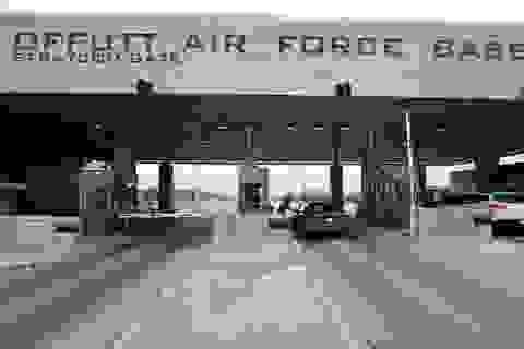 Sĩ quan hải quân Mỹ đối mặt 64 năm tù vì nghi tuồn bí mật cho Nga