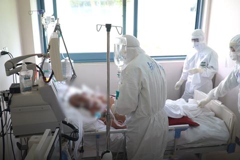 Ca Covid-19 tại Bệnh viện E xét nghiệm lần 1 âm tính với SARS-CoV-2