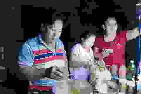 Bươn chải nghề bán cá viên chiên đêm ở Sài Gòn