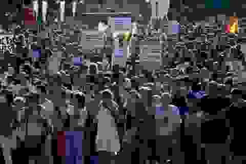 Người Tây Ban Nha biểu tình phản đối biện pháp chống dịch Covid-19