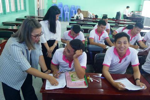 Đồng Tháp: Tăng cường dạy ngoại ngữ, kỹ năng cho lao động chờ xuất cảnh