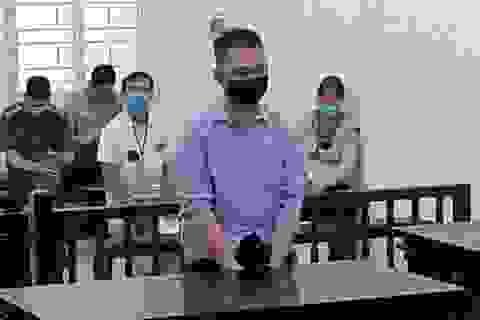 """Hà Nội: Mang thỏi son và con dao đi """"nối lại tình yêu"""""""