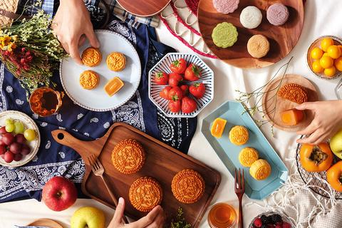 Hong Kong MX Mooncakes mang hương sắc thu Hong Kong vào thị trường Việt