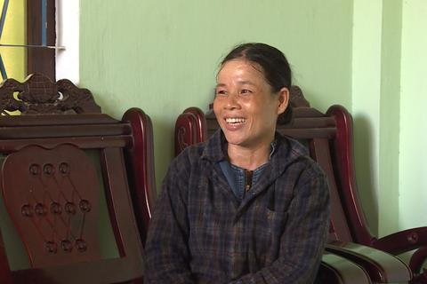 Nữ phụ hồ trả lại 150 triệu đồng nhặt được trong tấm bạt phơi lúa