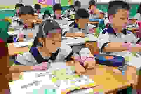 Bộ Giáo dục: Cấm ép phụ huynh mua tài liệu tham khảo cho học sinh lớp 1
