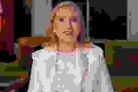 """Bà Hillary Clinton ước ông Trump """"biết làm tổng thống"""""""