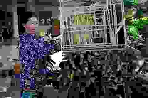 Người phụ nữ vươn lên thoát nghèo nhờ nghề đan lát lục bình