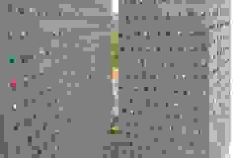 Dùng chai nhựa thay gạch, xây nhà vệ sinh tặng trường học vùng khó khăn