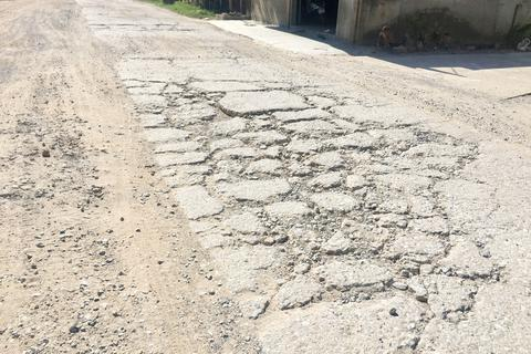 Quảng Bình: Dân khốn khổ vì con đường huyết mạch xuống cấp nghiêm trọng