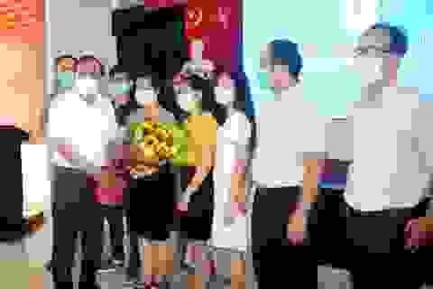 Đoàn bác sĩ TPHCM rút khỏi tâm dịch Quảng Nam