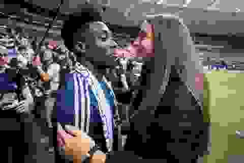 Bạn gái xinh đẹp của ngôi sao Bayern Munich là cầu thủ... PSG