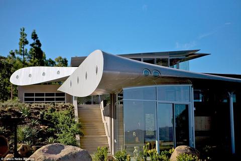 Ngôi nhà độc đáo được làm từ máy bay Boeing 747