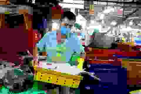Thầy giáo chuyển nghề mua được nhà sau 11 năm thức đêm làm ...thợ mổ cá