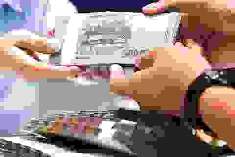 Vàng trồi sụt, lãi suất giảm... sẵn tiền tỷ tìm nơi bỏ vốn