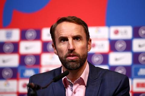 Đội tuyển Anh lo lắng khi có cầu thủ nhiễm Covid-19