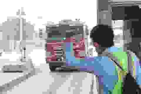 Tài xế bối rối trong ngày đầu trạm cầu Đồng Nai dừng thu phí