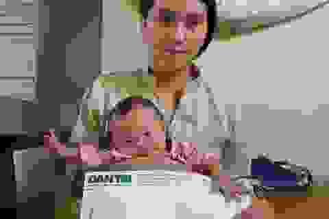 Bạn đọc Dân trí tiếp tục giúp đỡ bé gái mắc đa dị tật hơn 66 triệu đồng