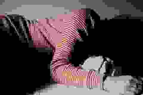 Thiếu nữ 15 tuổi bị 4 đối tượng chuốc rượu say rồi thay nhau hiếp dâm
