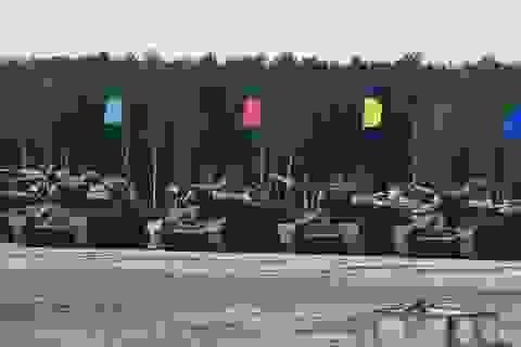 Xe tăng T-34 huyền thoại của Nga phô diễn sức mạnh tại hội thao quân sự