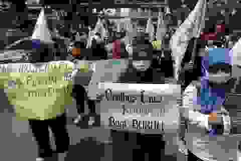 Hàng chục nghìn người Indonesia biểu tình chống dự thảo luật việc làm