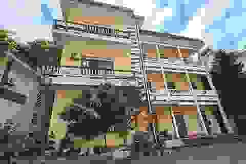 Nhiều nhà công sản cũ sau chuyển đổi bị bỏ hoang trên đất vàng Lào Cai