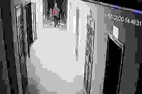 Thêm một bị cáo đến TAND tỉnh Bình Phước uống thuốc tự tử