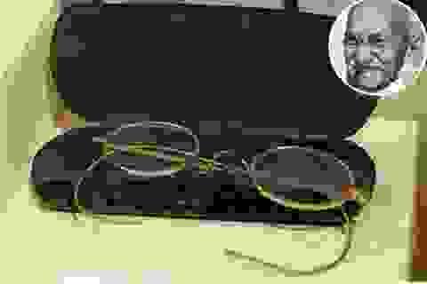Đấu giá cặp kính mạ vàng của lãnh tụ Ấn Độ Mahatma Gandhi: Chốt 340.000 USD