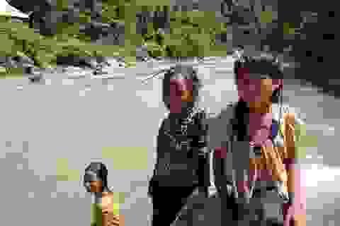 Tính mạng hàng chục em học sinh Huồi Thum bị rình rập mỗi khi mùa mưa đến