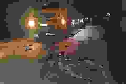 Hai người đi xe máy tử vong sau cú va chạm mạnh với xe tải