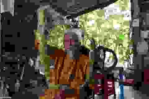 Báo Anh viết về cụ ông 92 tuổi người Việt không cắt tóc suốt 80 năm qua