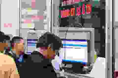 """Tổng cục Thuế bác tin phải nộp """"phí bôi trơn"""" khi đăng ký xe hơi ở Hà Nội"""