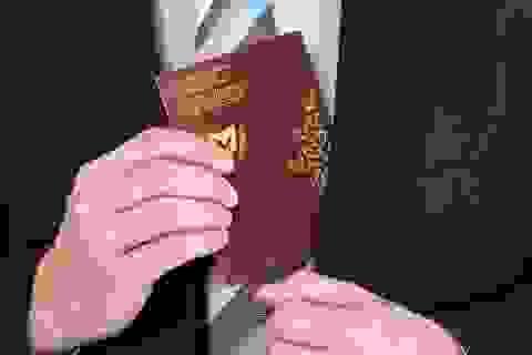 """Châu Âu quyết mạnh tay với nạn mua bán """"hộ chiếu vàng"""" của giới siêu giàu"""