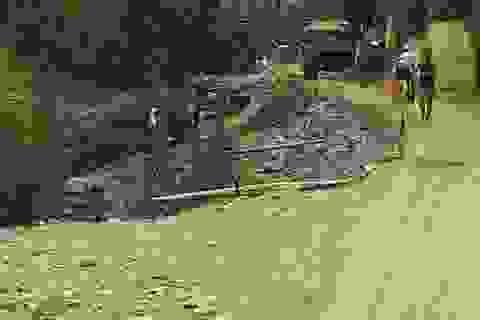 """Quảng Bình: Dân bức xúc vì công trình xây kè """"nuốt"""" dòng chảy!"""