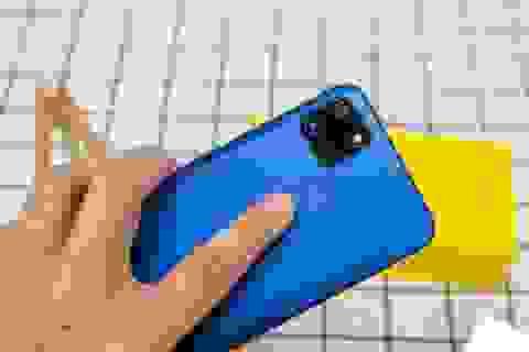 Mở hộp Realme C12 - smartphone 3,5 triệu có pin chờ hai tháng