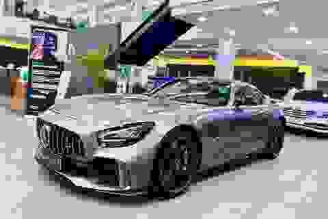 Người giàu phải chịu phí trước bạ tiền tỷ khi mua xe siêu sang ở Việt Nam