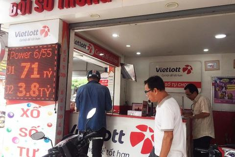 Hệ thống Vietlott gặp sự cố, nhiều điểm kinh doanh không in nổi vé, vì sao?