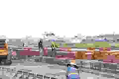 Bộ trưởng Nguyễn Văn Thể kiểm tra đường băng sân bay Tân Sơn Nhất