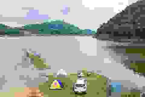 """Hồ Chòm Núi - điểm """"trốn dịch"""" lý tưởng cách nội đô Hà Nội chỉ 40km"""