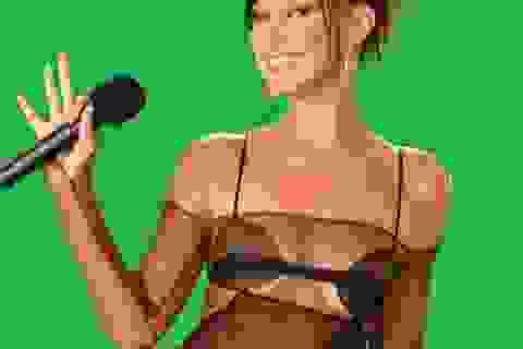 Siêu mẫu Bella Hadid mặc áo xuyên thấu dự lễ trao giải VMA